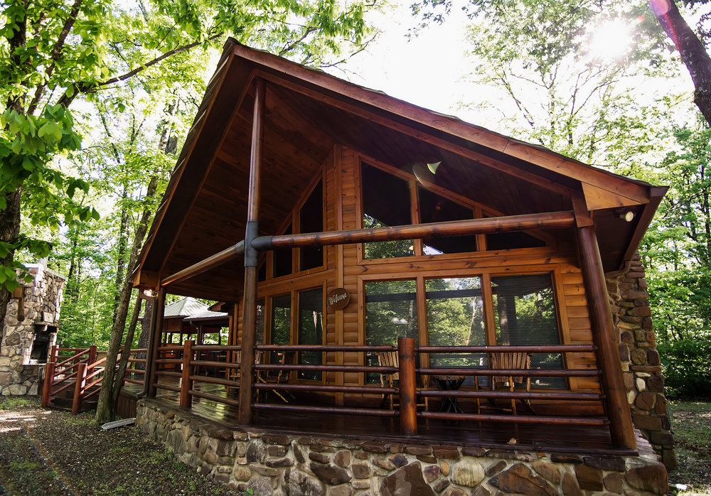 Front Porch Lodge: 3 Baths – Sleeps 10