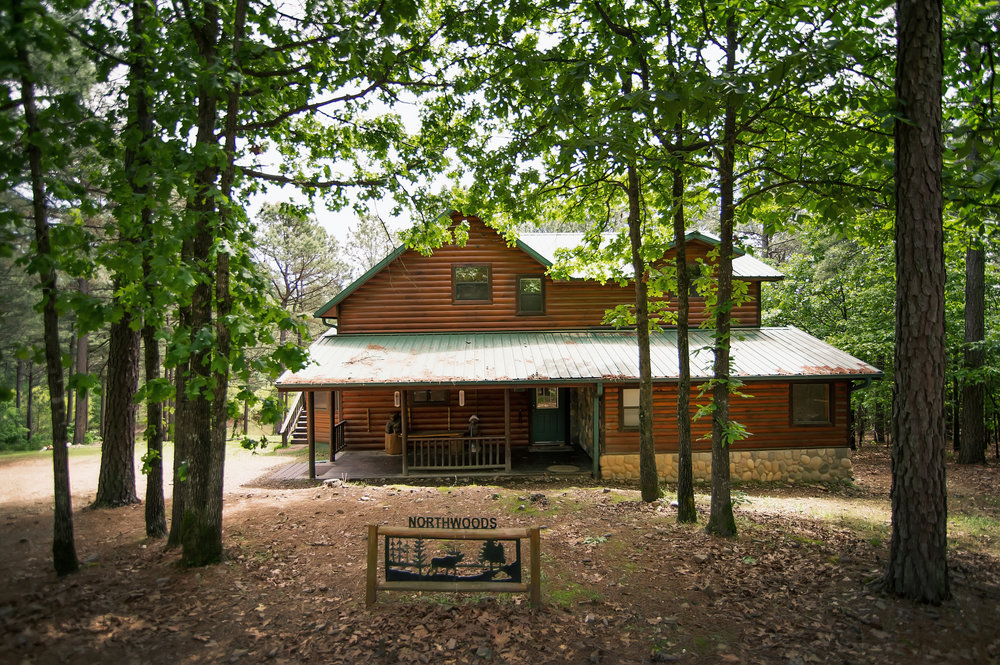 Northwoods:   3.5 Baths – Sleeps 11