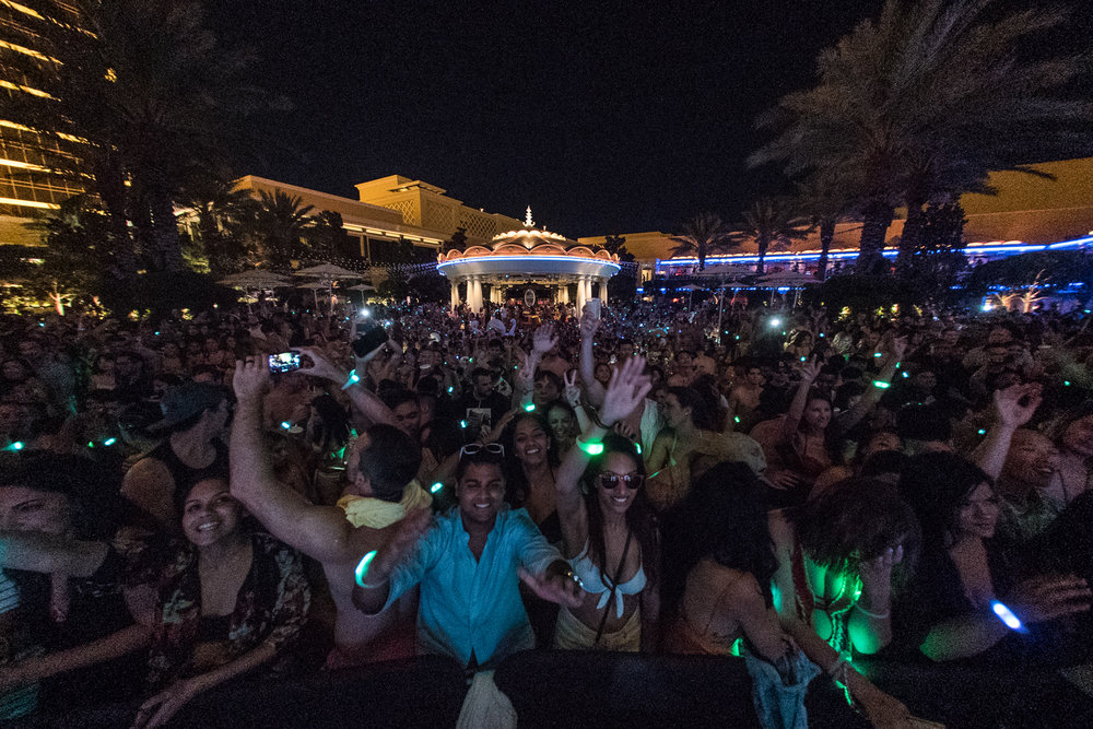 Kygo Wynn Nightlife Back Crowd.JPG