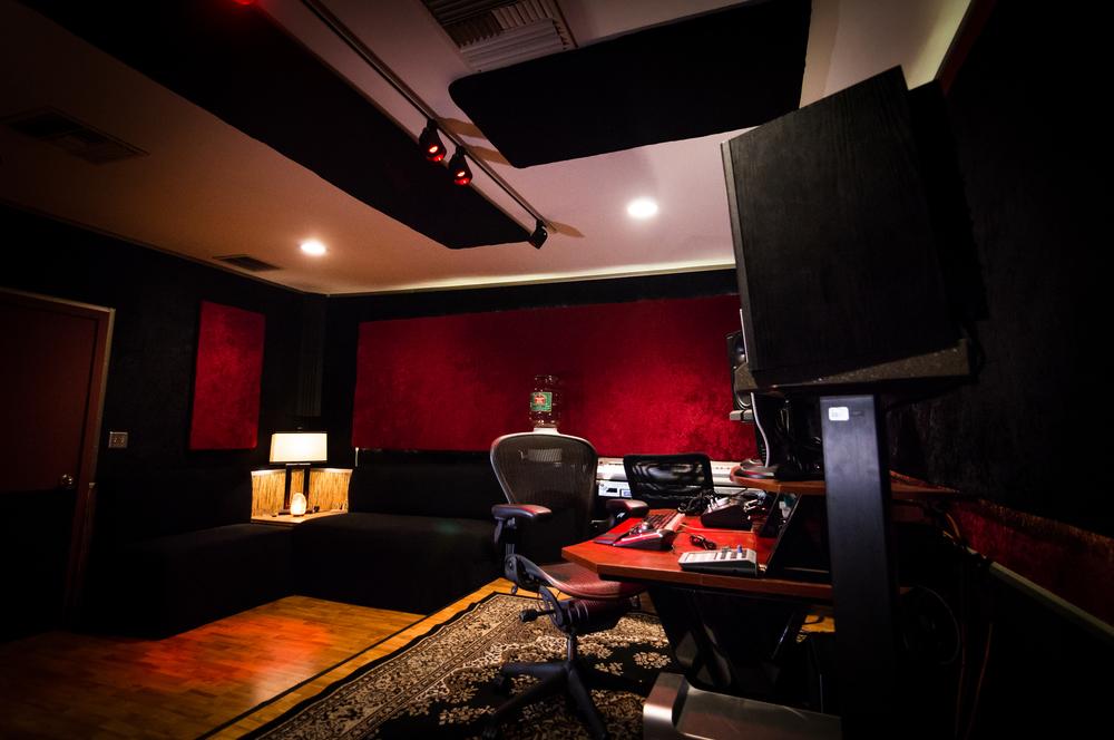 B Control Room 1.jpg