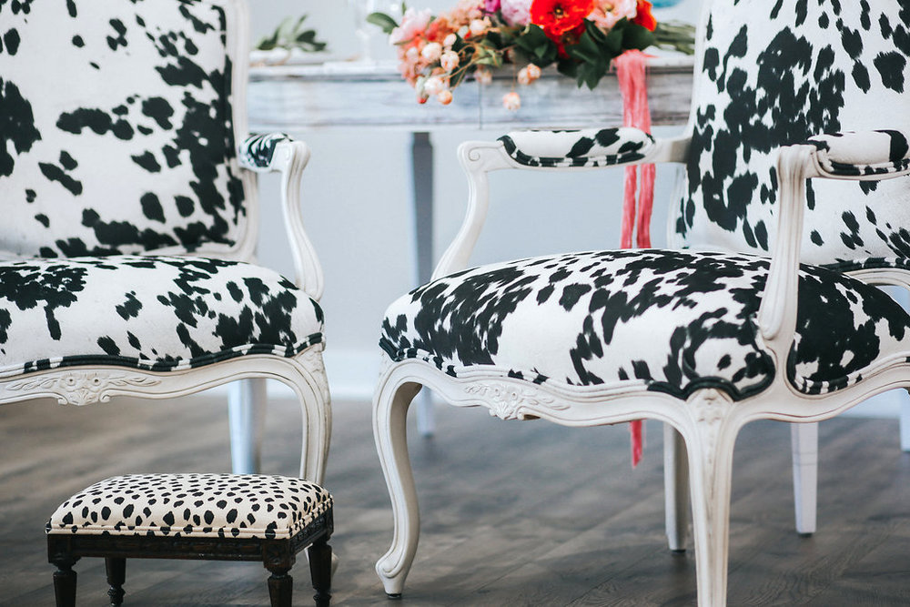 Sweetheart chairs for a Southern belle and her gentleman.