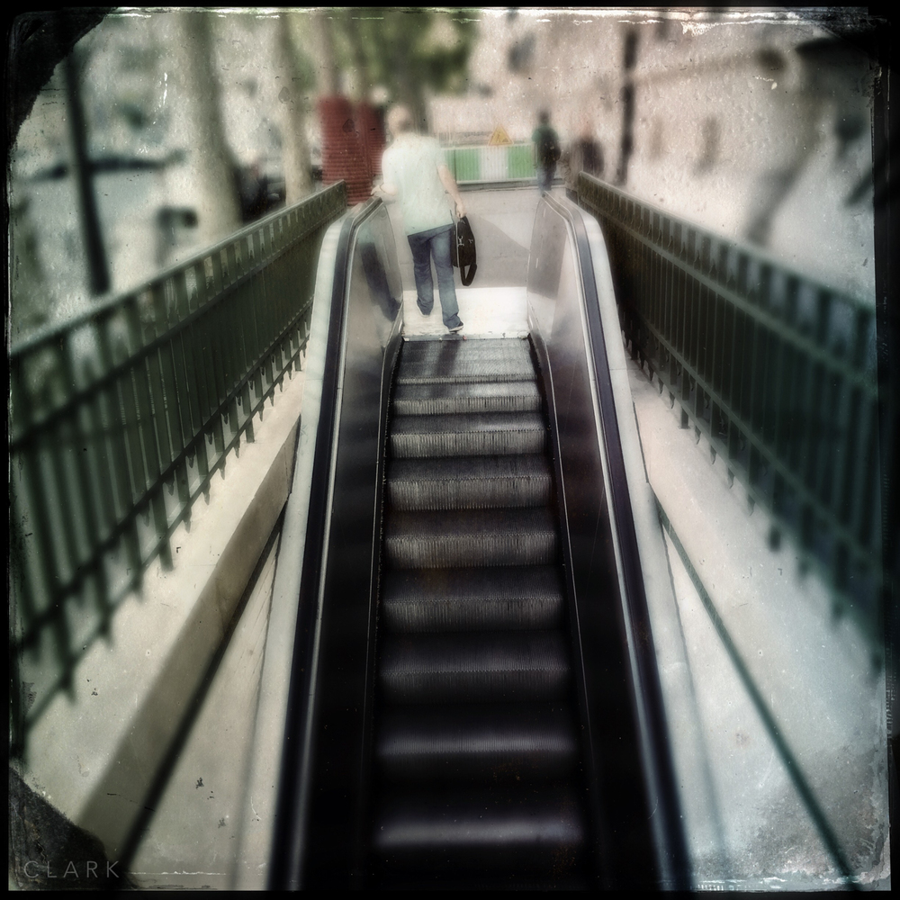 007_DerekClarkPhoto-Paris_iPhone.jpg