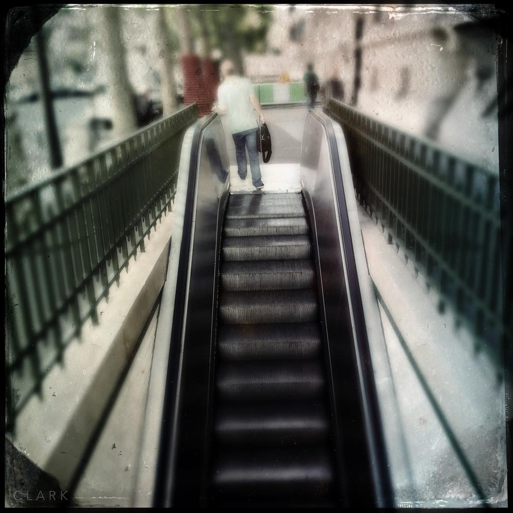 007_DerekClarkPhoto-Paris_iPhone.jpg