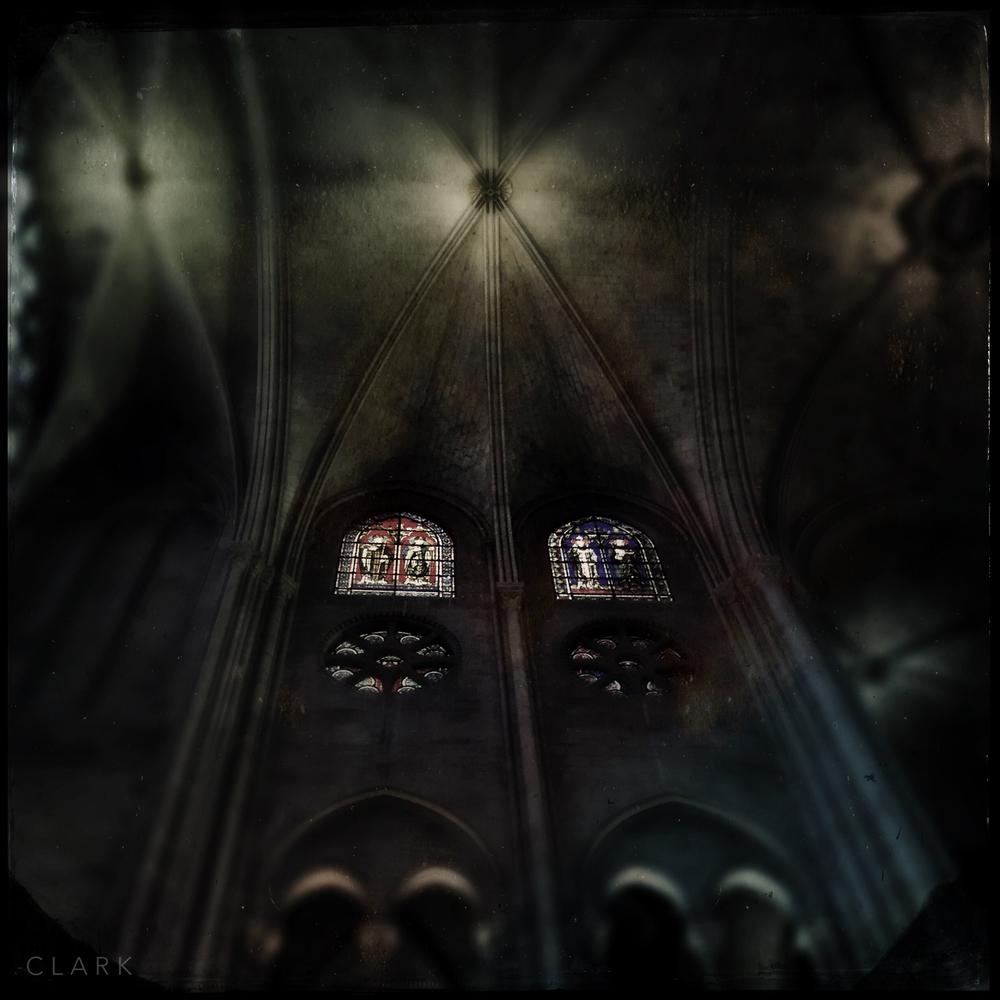 009_DerekClarkPhoto-Paris_iPhone.jpg
