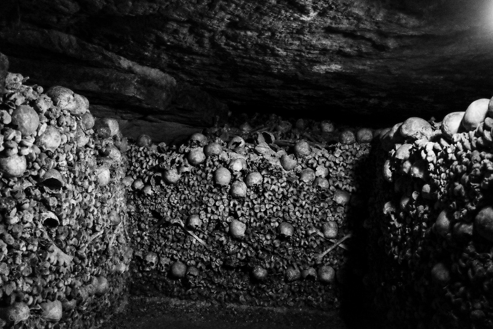 005_DerekClarkPhoto-Paris_Catacombs.jpg