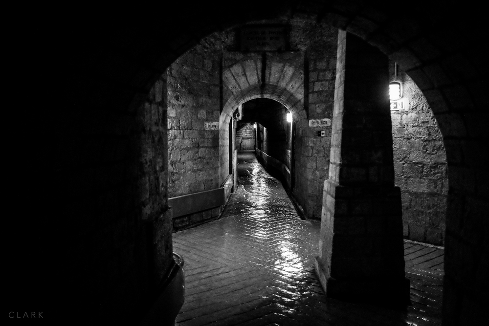 009_DerekClarkPhoto-Paris_Catacombs.jpg