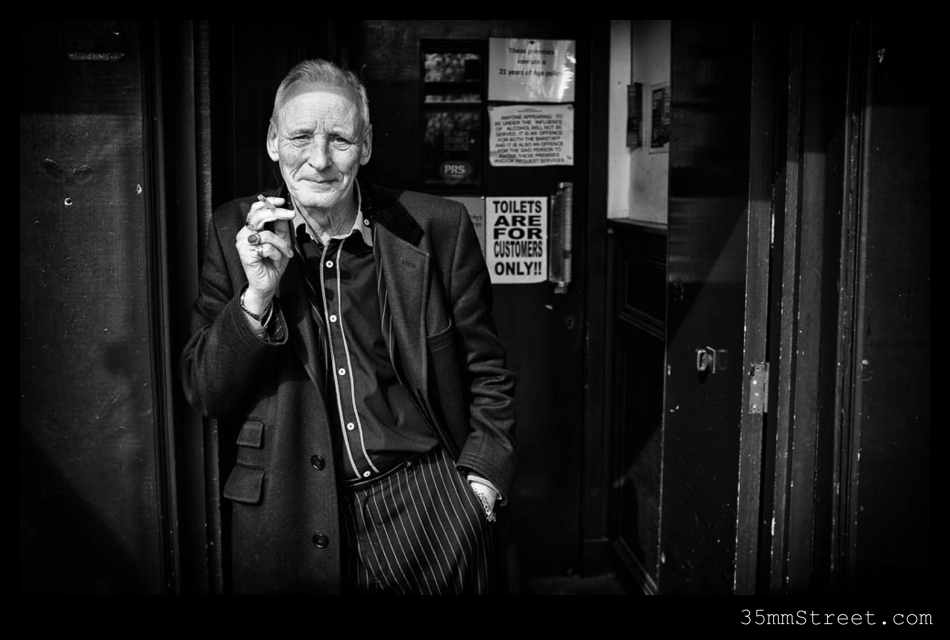 Shooting street photography with the fujifilm x100