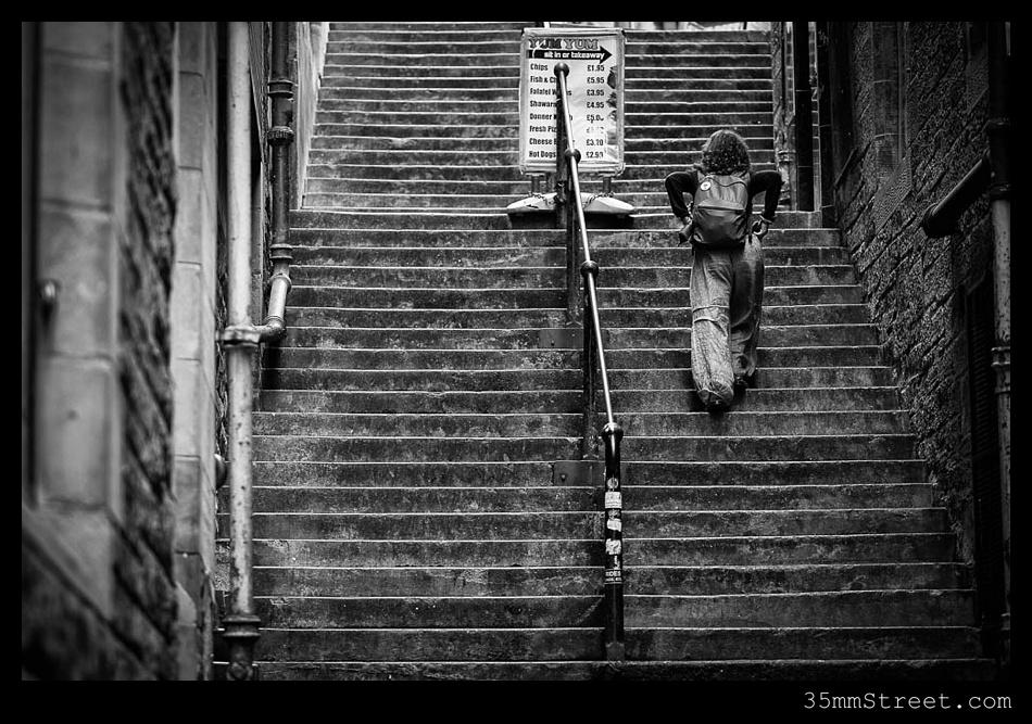 35mmStreet.com.Edinburgh-Festival-Fuji-90mm-01