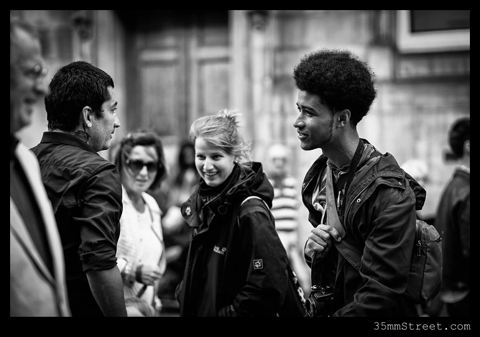 35mmStreet.com.Edinburgh-Festival-Fuji-90mm-02