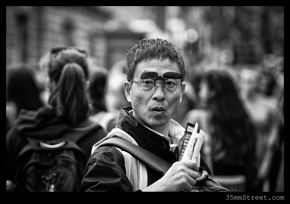 35mmStreet.com.Edinburgh-Festival-Fuji-90mm-04