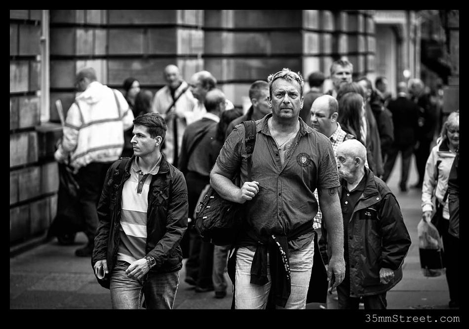 35mmStreet.com.Edinburgh-Festival-Fuji-90mm-07