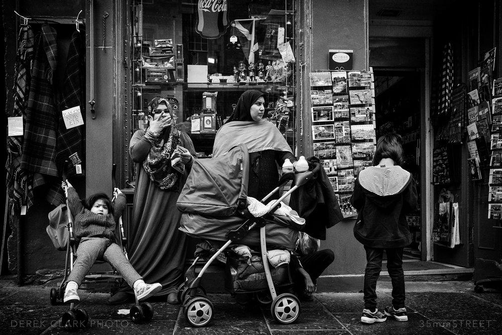 019_35mmStreet-X70-Edinburg_Festival.jpg