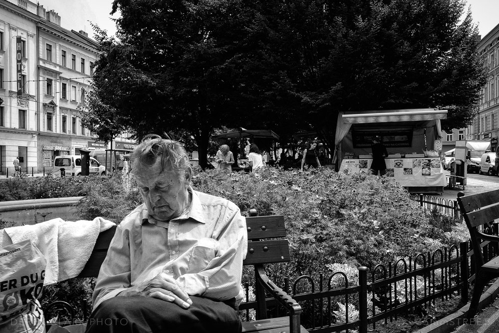 003_35mmStreet-Prague.jpg