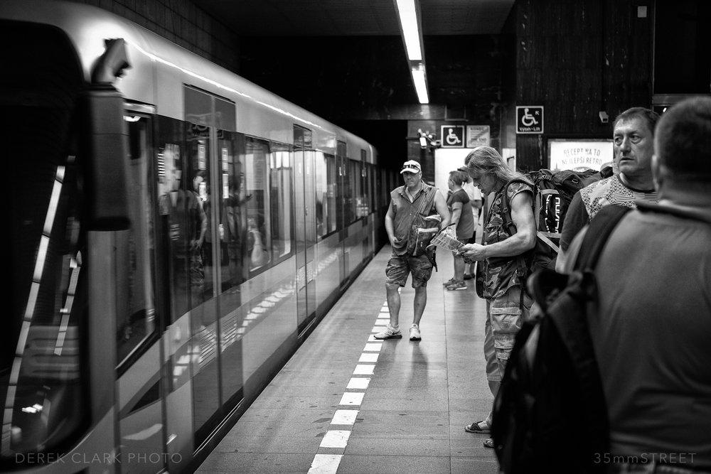 180_35mmStreet-Prague.jpg