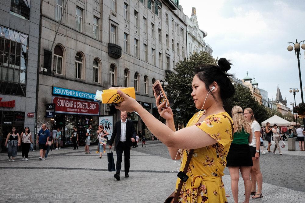 042_35mmStreet-Prague.jpg