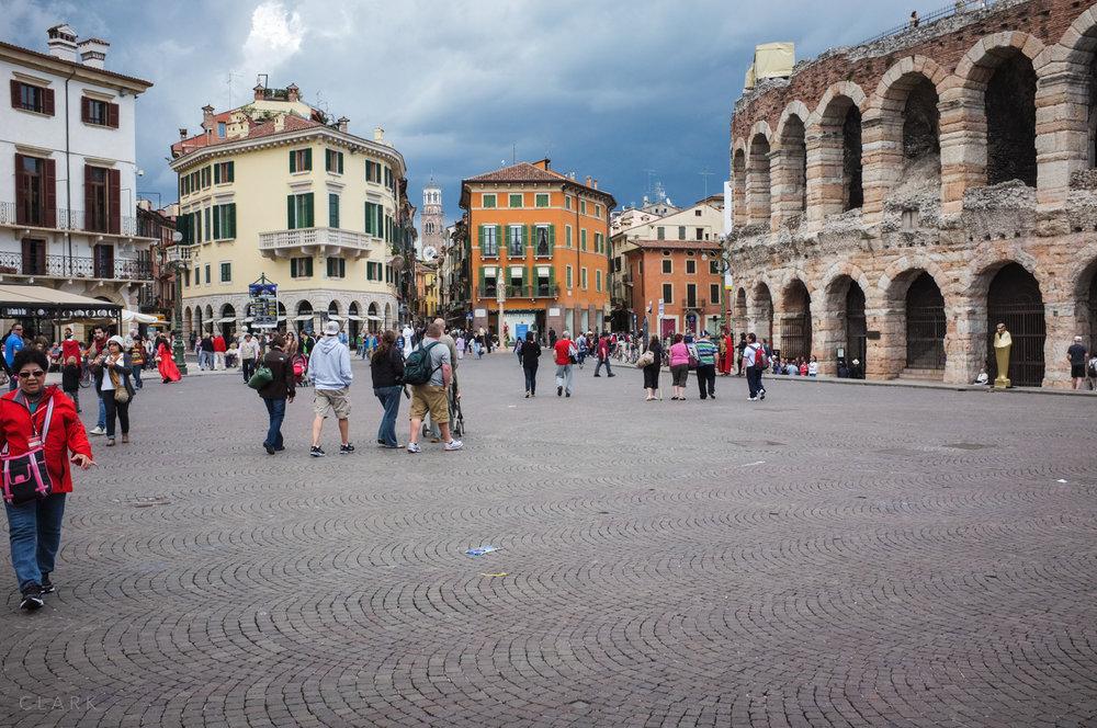 003_DerekClarkPhoto-Verona.jpg