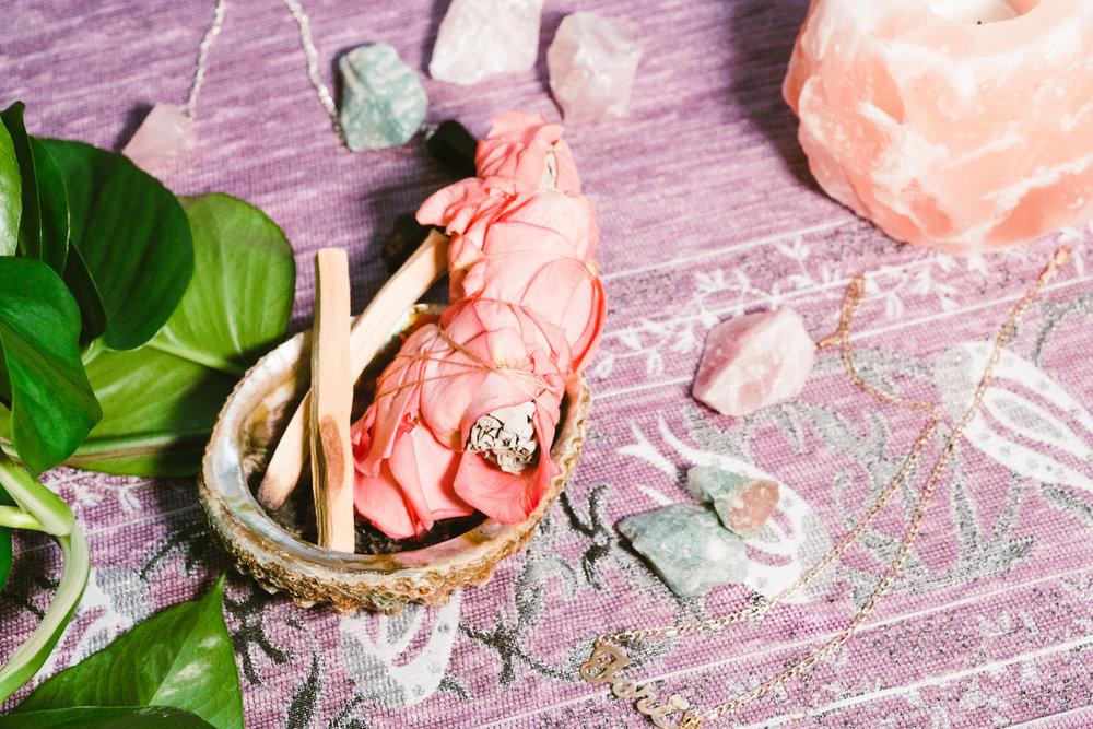 Floral Sage Smudge Bundle, Palo Santo, Albalone Shell and Prayer Rug