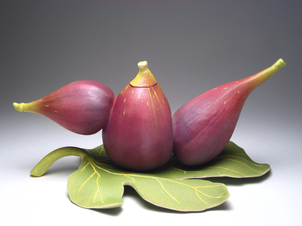 THREE FIGS TRAVELING