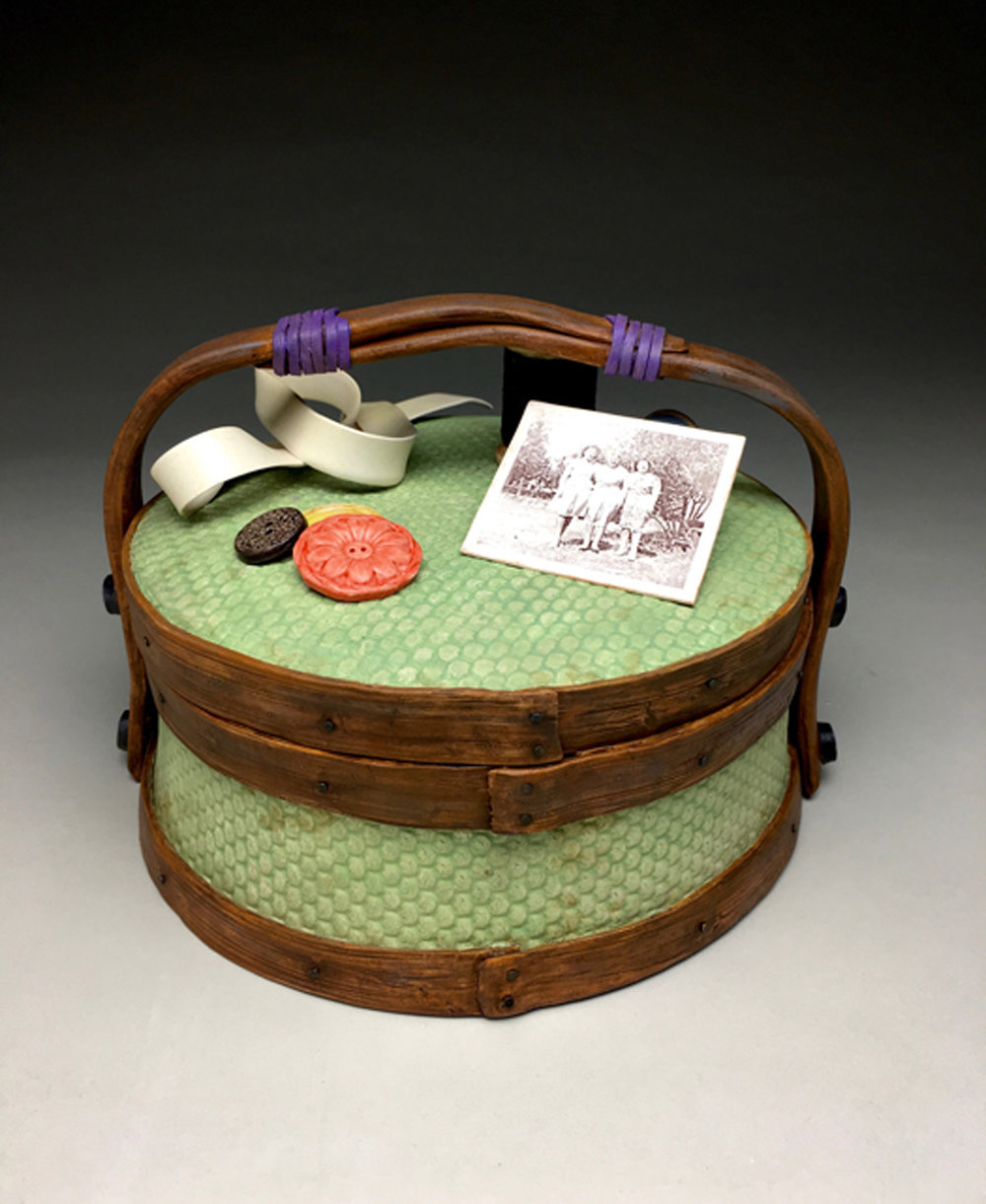AUNTIE MAE'S SEWING BASKET