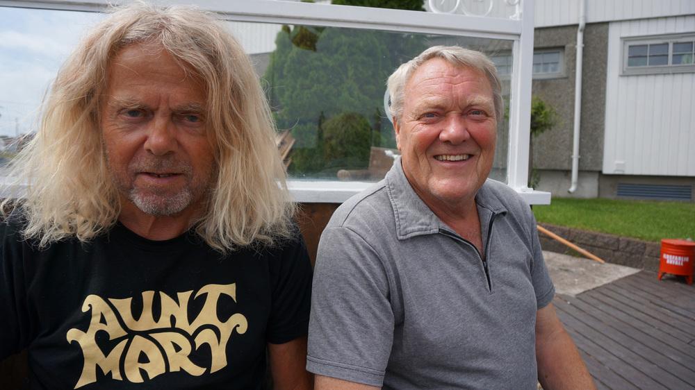 Ve og vel: Som formann i Herføl Vel, bryr Frank Høier (til venstre) seg mye om Herføls ve og vel, her sammen med Nils Bustgaard.
