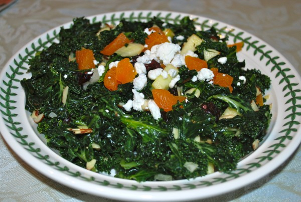 Meatless_Monday_Recipe_Healthy_Nutrition_Kale_Salad-TheWiseLatinaClub-NatalieFierro