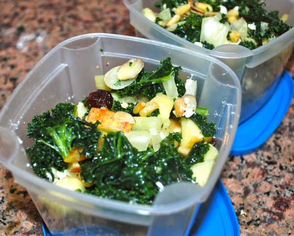 Meatless_Monday_Healthy_Nutrition_Kale_Salad_To_Go-TheWiseLatinaClub-NatalieFierro