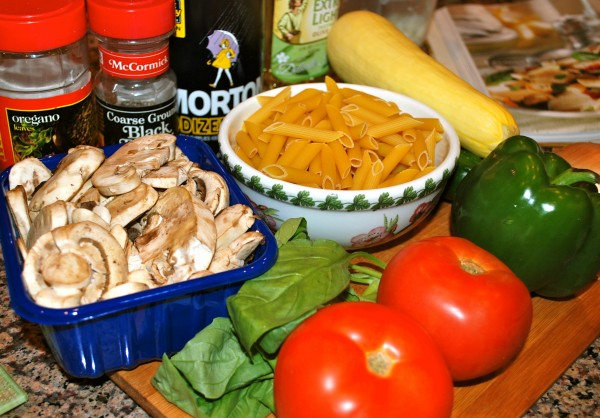 Health_MeatlessMonday_Garden_Pasta_Ingredients-TheWiseLatinaClub-NatalieFierro