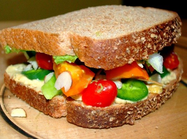 MeatlessMonday_Vegetable_Sandwich-TheWiselatinaClub-NatalieFierro