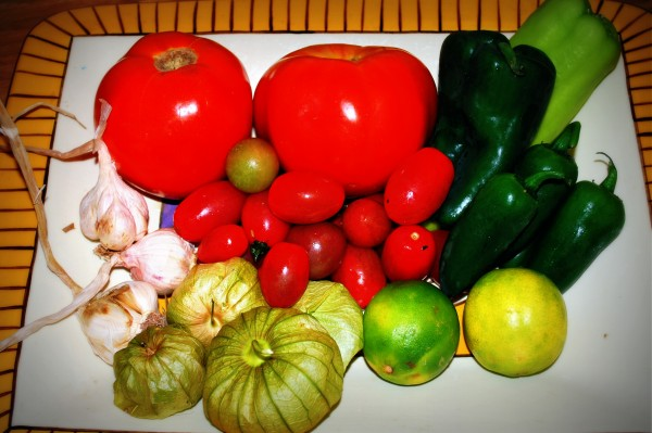 Meatless_Monday_Salsa_Ingredients-TheWiseLatinaClub-NatalieFierro