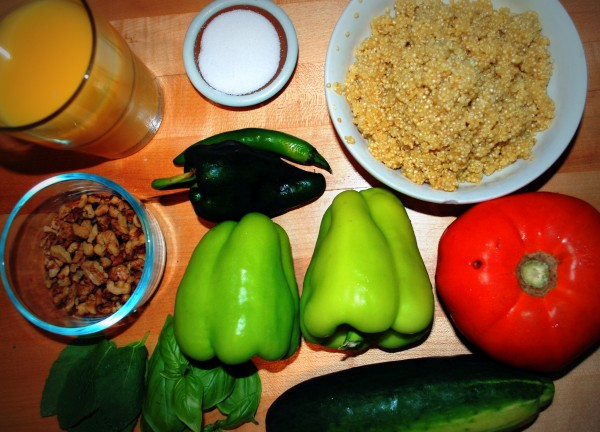 MeatlessMonday_Quinoa_Roasted_Pepper_Salad_Recipe_Ingredients-TheWiseLatinaClub-NatalieFierro