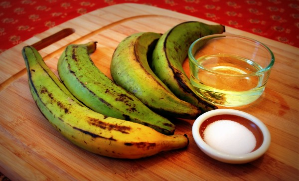 Meatless_Monday_Patacones_Colombia_Plantains-TheWiseLatinaClub-NatalieFierro