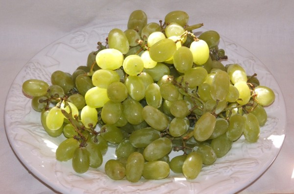 Meatless_Monday_New_Years_Grapes-TheWiseLatinaClub-NatalieFierro