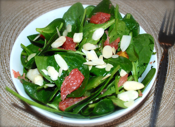 Meatless_Monday_Cervical_Cancer_Awareness_Citrus_Spinach_Grapefruit_Salad_Recipe-TheWiseLatinaClub-NatalieFierro