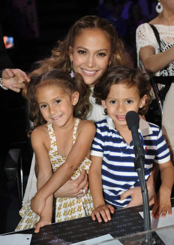 Jlo_and_twins-TheWiseLatinaClub