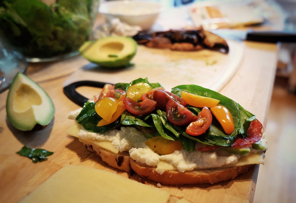 We helped a global food and beverage retailer make healthy sandwiches appealing to Latino consumers.
