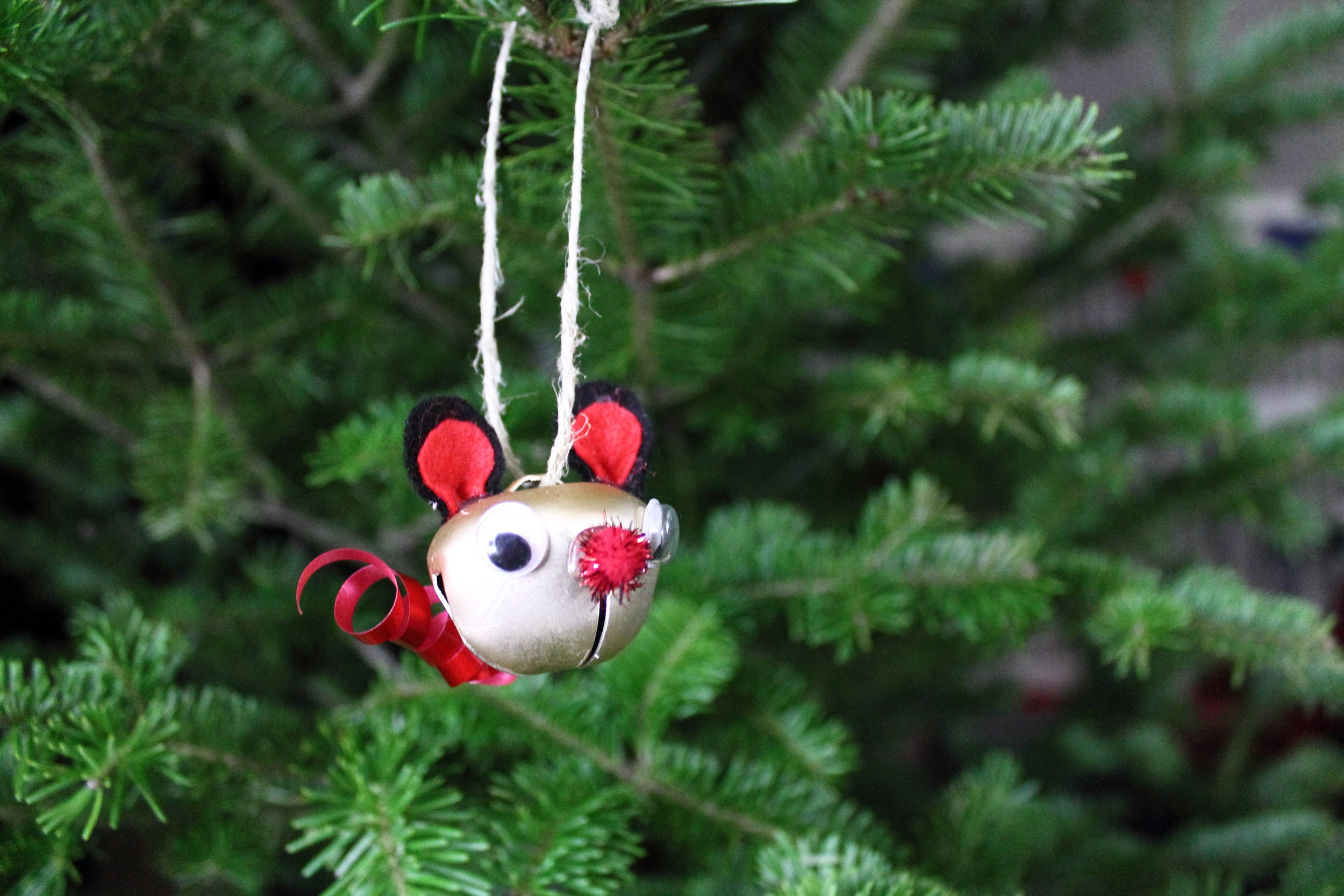 do you prefer the handmade look on your tree are you trying to save money around the holidays here are my suggestions for making your own ornaments - How To Make Your Own Christmas Decorations