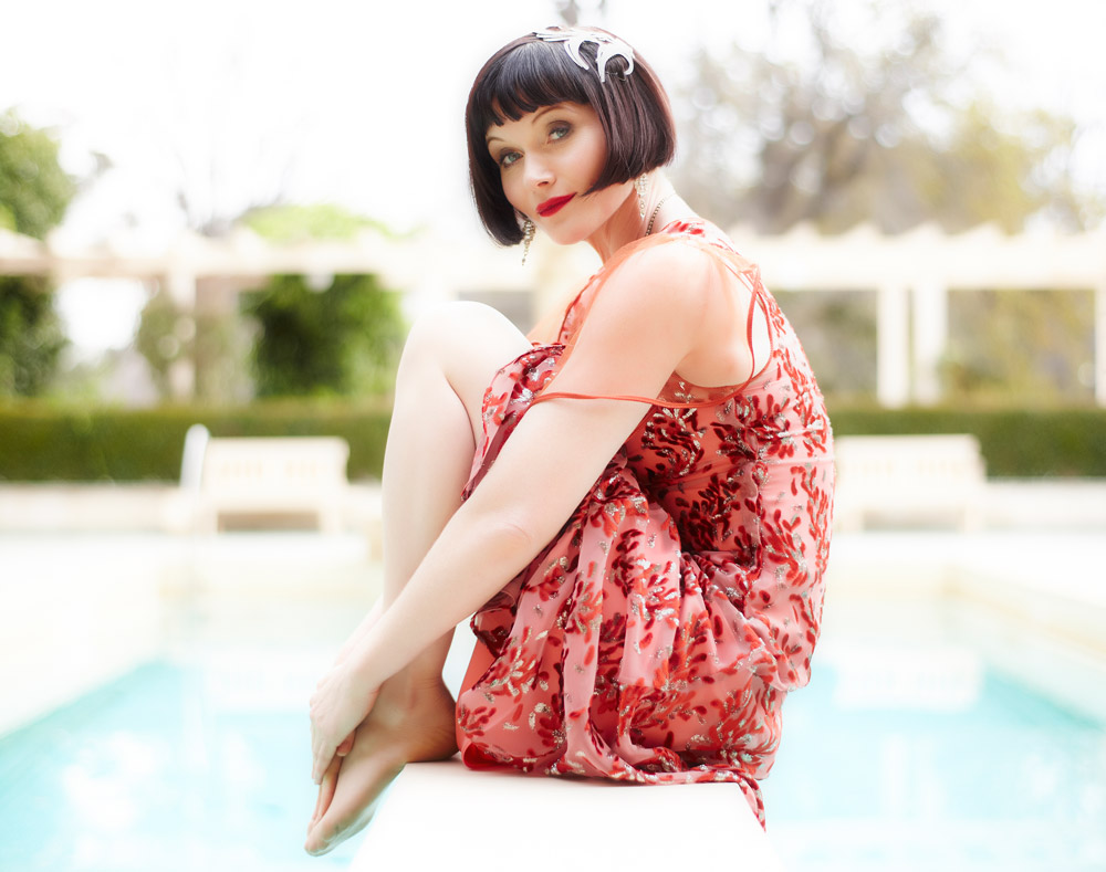 2011_09_15.1_ArtDept_0810_Ep-9_Queen-of-the-Flowers_Miss-Phryne-Fisher-(Essie-Davis).jpg