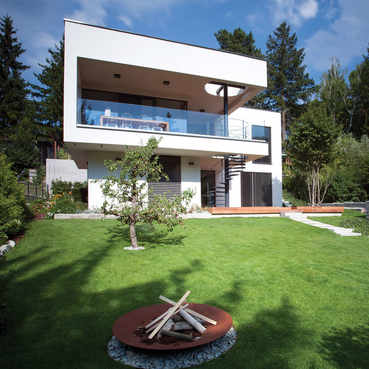 D2 HOUSE