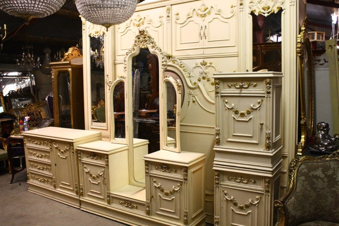 Renaissance Antiques Dublin Ireland Old painted white bed