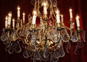 Renaissance Antique Dublin Ireland LARGE CHANDELIER WITH DETAILED BRASS FRAME
