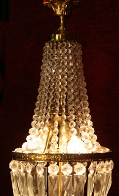 Renaissance Antique Dublin Ireland BAG OR SAC A PEARL CHANDELIER