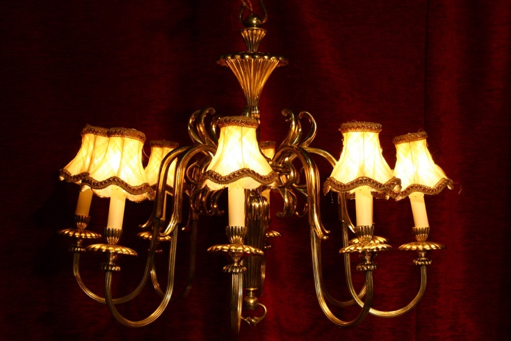Renaissance Antique Dublin Ireland GOOD QUALITY HEAVY BRASS CHANDELIER