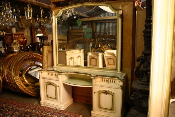 Renaissance Antiques Dublin Ireland IVERY LARGE FRENCH DRESSING TABLE