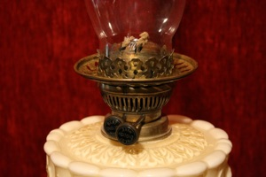 Renaissance Antique Dublin Ireland Old oil lamp