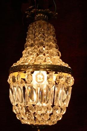 Renaissance Antique Dublin Ireland Small old bag or sac a pearl chandelier