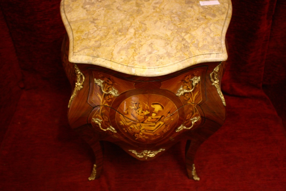 Renaissance Antique Dublin Ireland GOOD QUALITY BOMBE CHEST