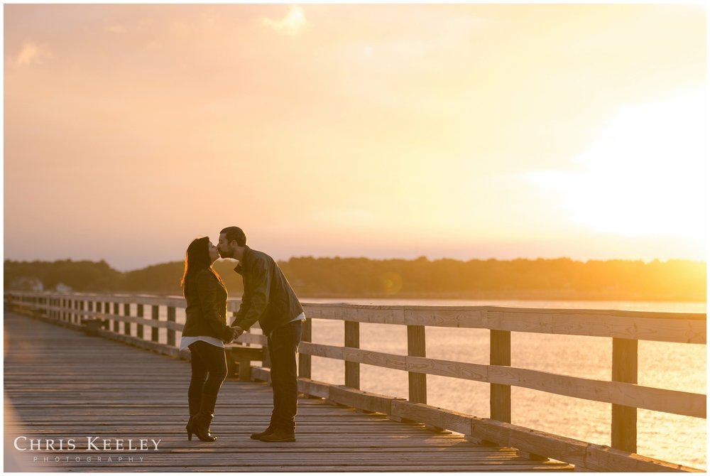 kittery-maine-fort-foster-engagement-photography-session-wedding-photographer-chris-keeley08.jpg