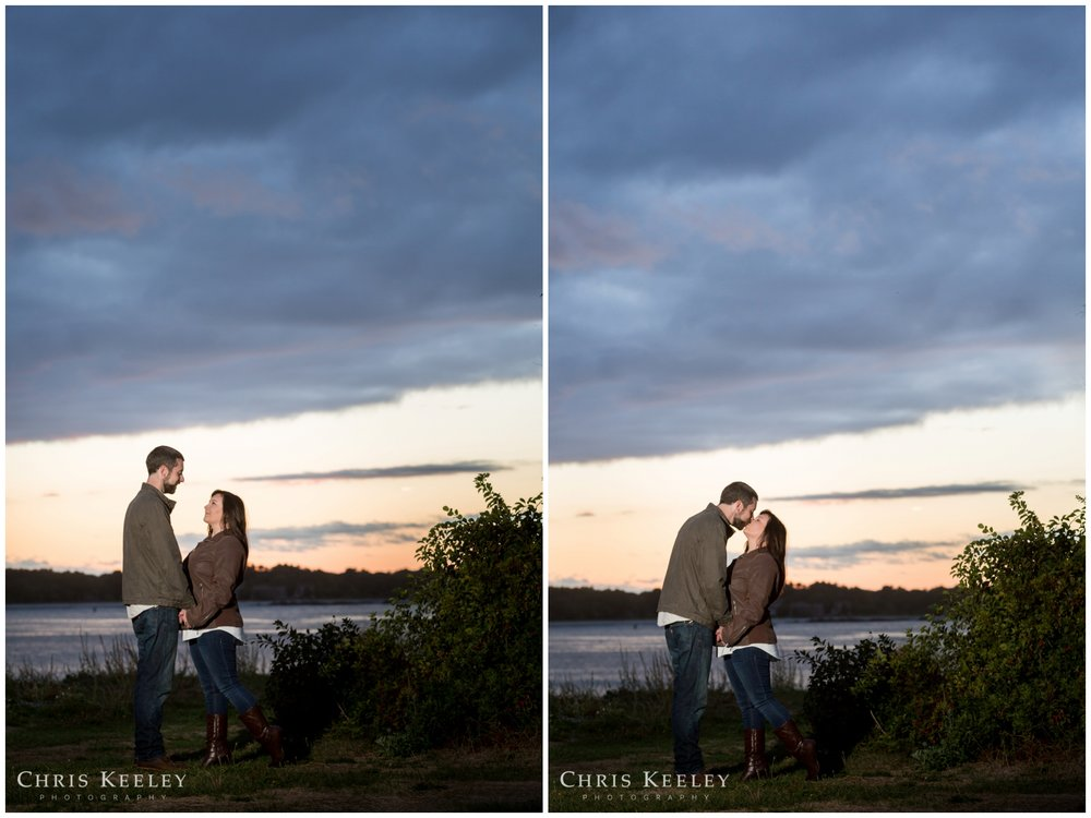 kittery-maine-fort-foster-engagement-photography-session-wedding-photographer-chris-keeley09.jpg