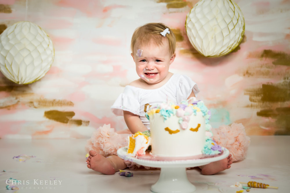 gwendolyn-one-year-cake-smash-dover-new-hampshire-photographer-16.jpg