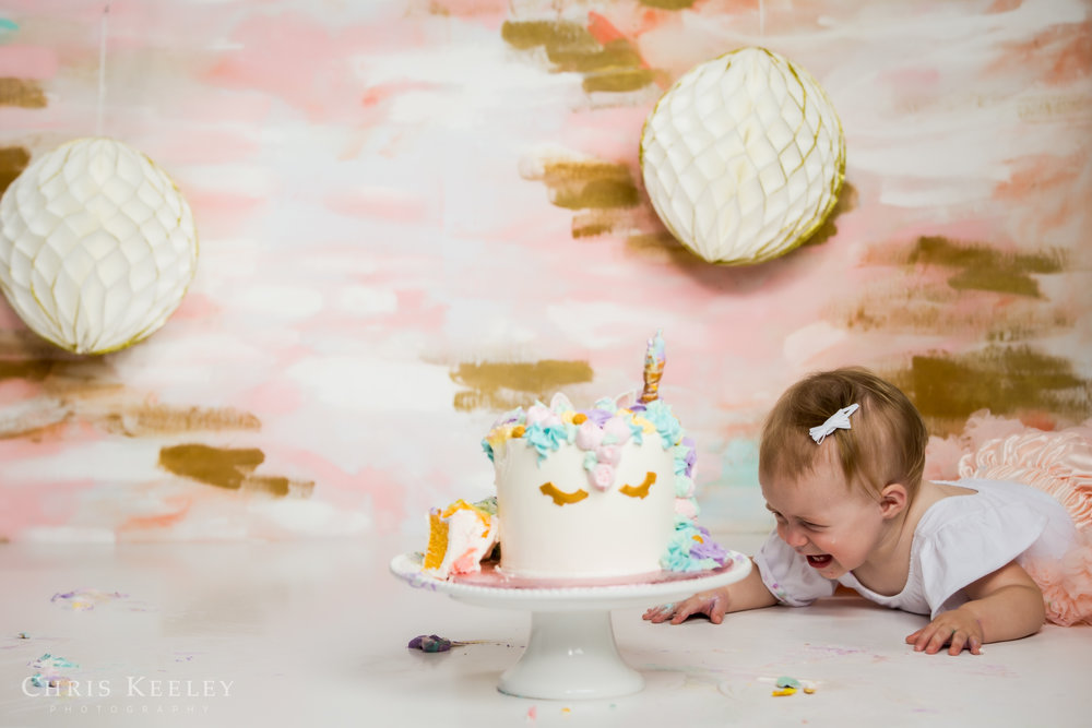 gwendolyn-one-year-cake-smash-dover-new-hampshire-photographer-18.jpg
